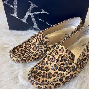 AK Leopard snakeskin loafers. EUC.